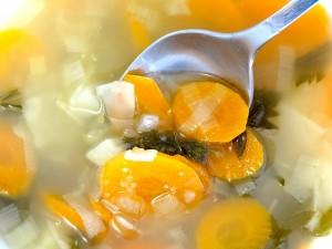 מרק ירקות חם ומחממם  צילום pix