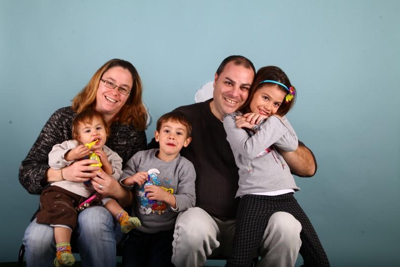 מנצלשים צילומים לקמפיין לצילום ליום המשפחה. צילמה בכישרון אפרת שיין
